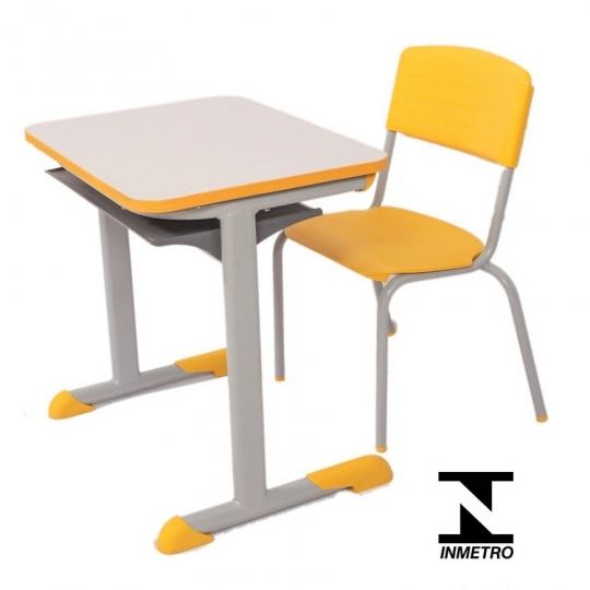Conjunto escolar Infantil amarelo